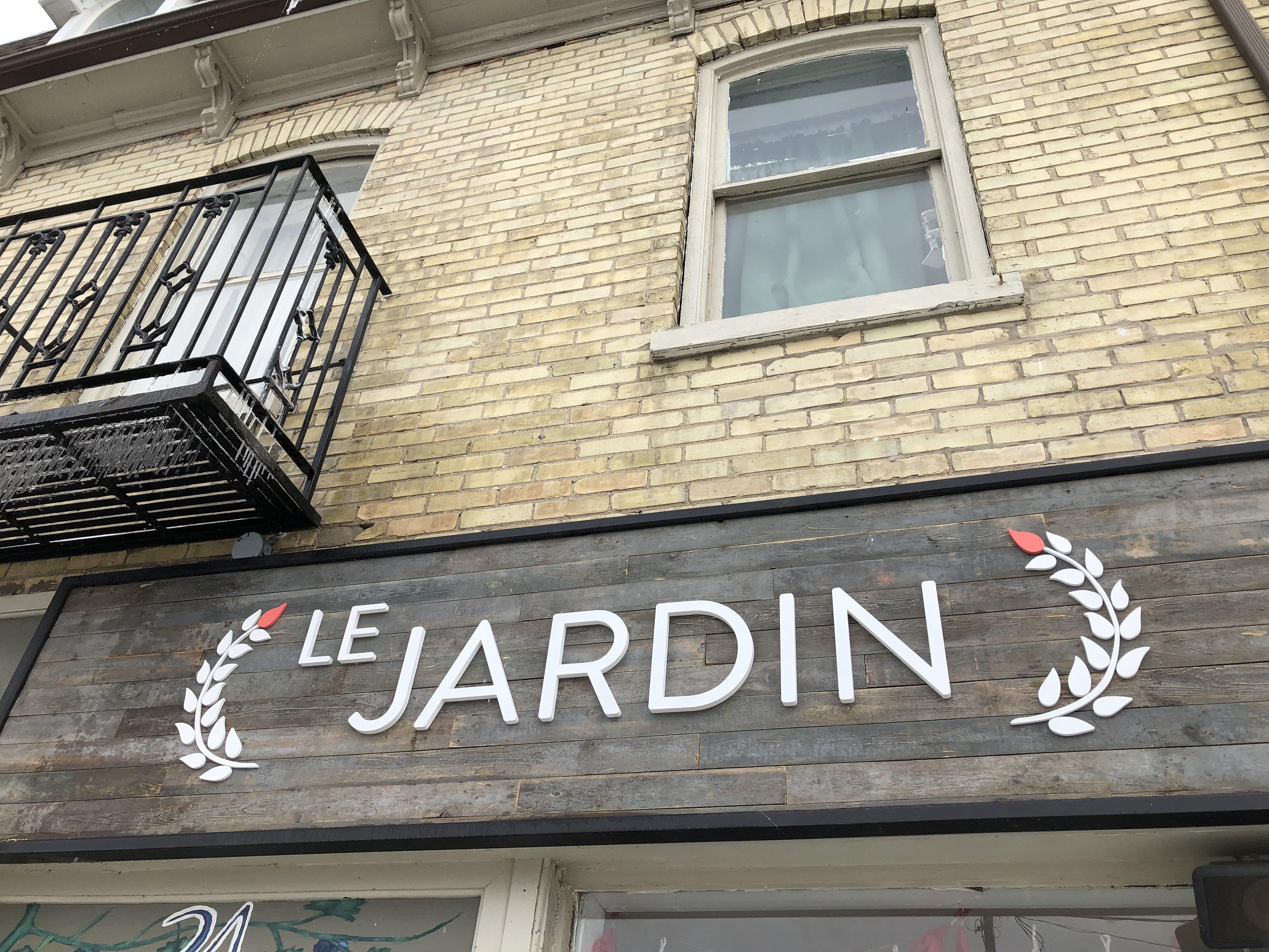 Le Jardins Fresh Design Store Front